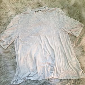 AMERICAN EAGLE• soft sexy cut out tee